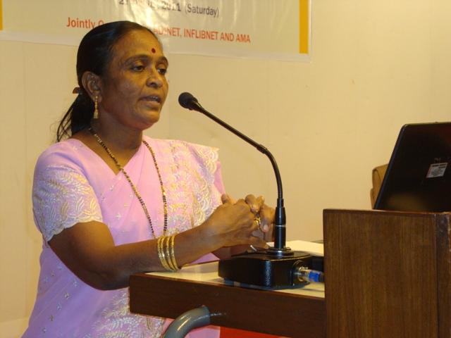 38  Smt. Dharmishtaben Patel, Librarian, ISRO