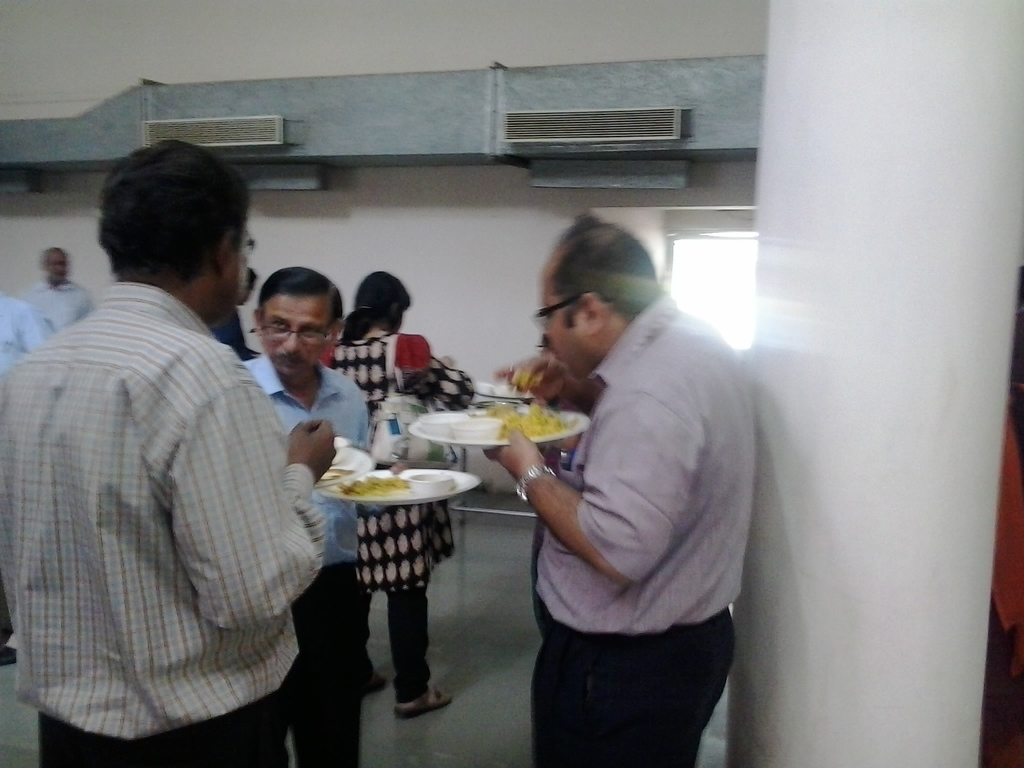 5920  Lunch at DA-IICT
