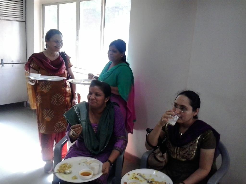 0526 Lunch at DA-IICT