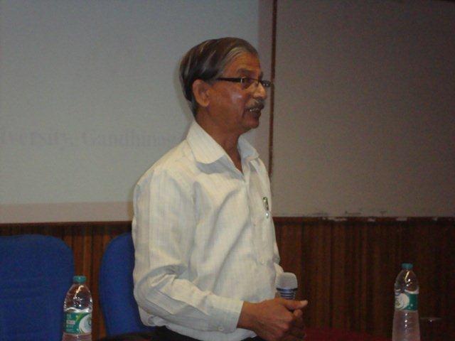 3009 Mr. Satish Deshpande, Head, Resource Centre, DA-IICT, Gandhinagar