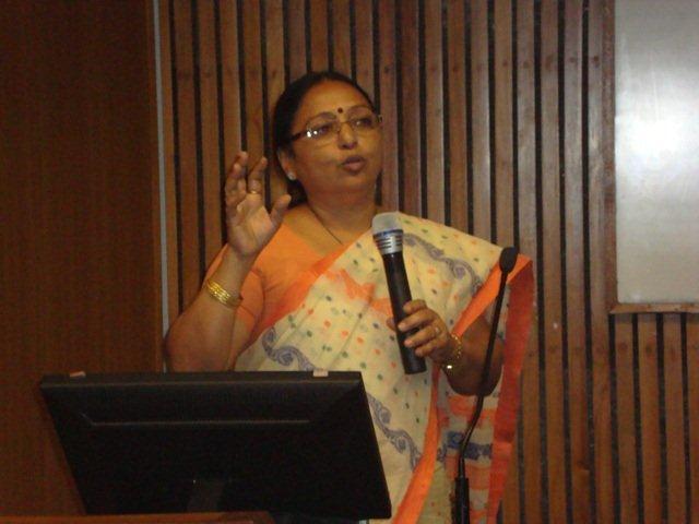 3018 Presentation by Smt. Geeta Gadhavi, Librarian, Gujarat University