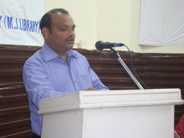163  Dr. Bipin Modi, Librarian, M. J. Library, Speech on Networking Public Libraries in Gujarat.