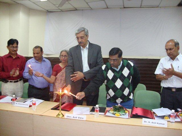 173  Lighting the Lamp on Seminar By Chief Guest Shri Asit Vora, Meyor, AMC.