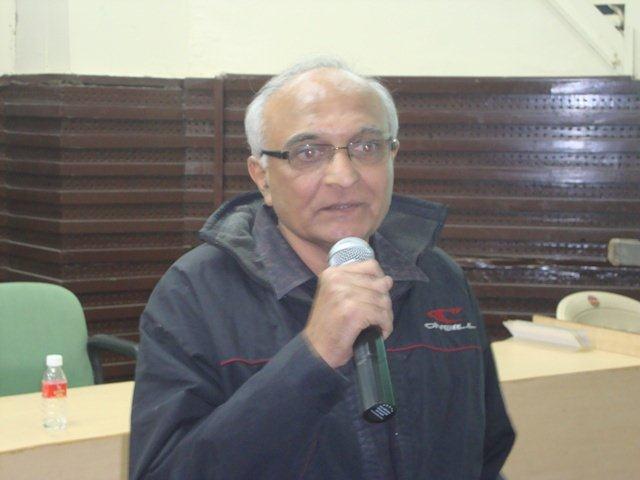185  Dr. Manish Pandya, ISRO, Ahmedabad. Speech on Networking Public Libraries in Gujarat.